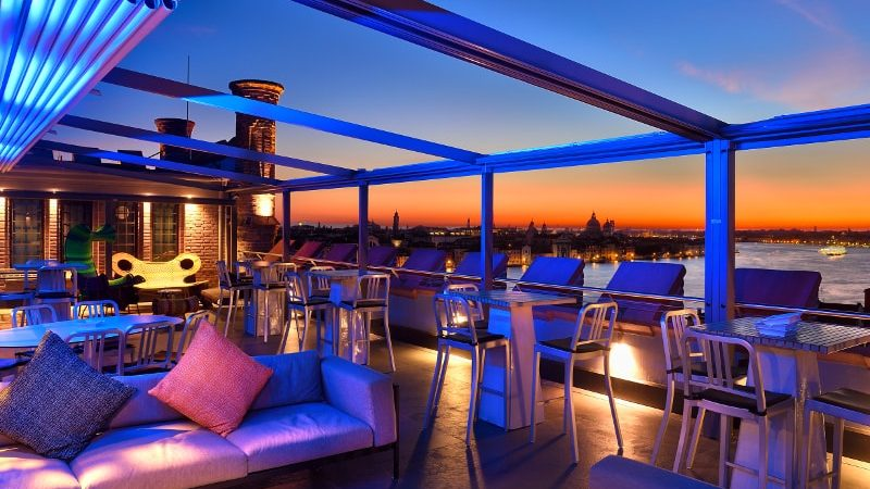 How To Choose The Best Rooftop Bar For Your Party