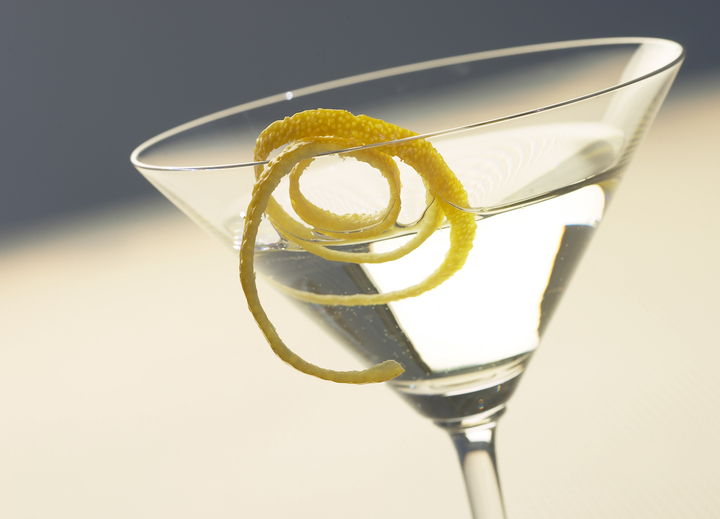 5 Simple Cocktail Garnish Ideas